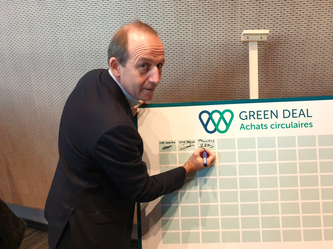 Gauthier Dubois signe le Green Deal Achats Circulaires Wallonie